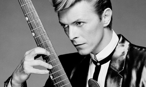 Legendarul David Bowie a murit la 69 de ani.