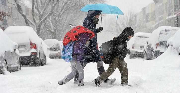cursuri suspendate cod portocaliu ninsori școală elevi subversiv