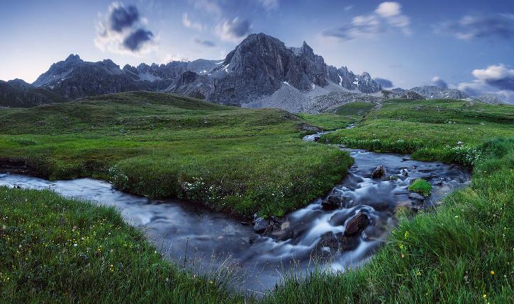 munţii alpi subversiv