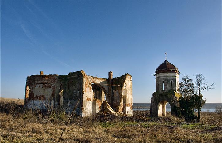 Biserica ortodoxă Măgureni 2