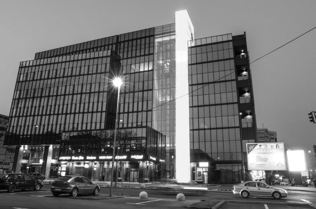 Cladire birouri Moldova Center [02] - Daniel Corban