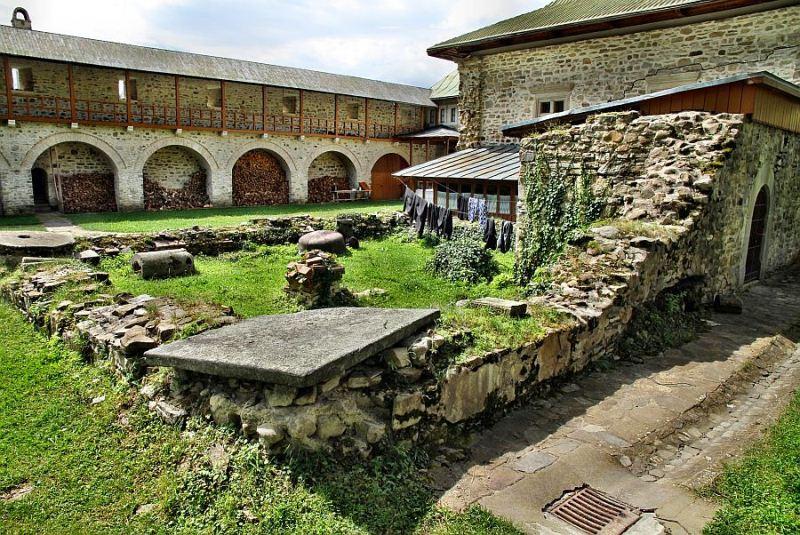 manastirea slatina (3)